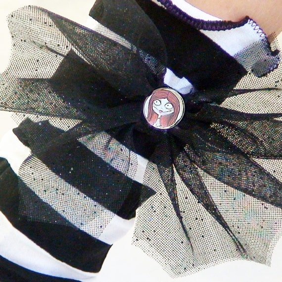 Nightmare before Christmas Sally Costume Socks LEG WARMERS for GIRLS Striped Black & White  with bat wing bows