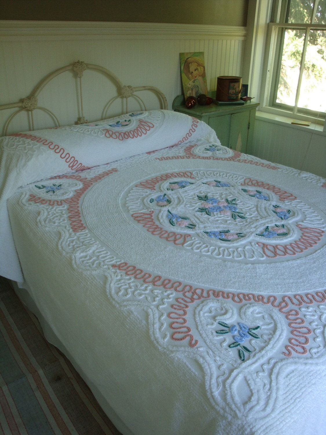 Vintage Needletuft Chenille Bedspread Hearts and Flowers Its AWhite Sweet Pea