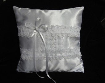 Pretty Satin and Lace Ring Pillow