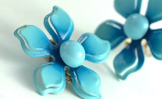 Vintage blue enamel flower clip on earrings, retro, floral, women's ladies, whimsy, costume jewelry