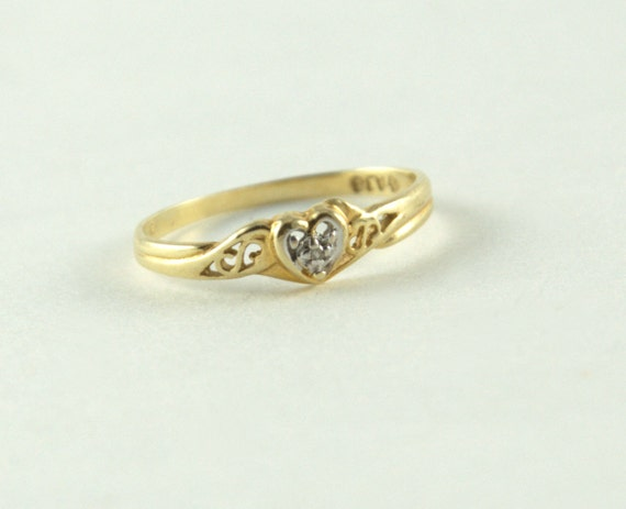 Vintage Heart Shaped 10K ring with small diamond, love, ladies, womens, eighties, gold, dainty, size 4.5