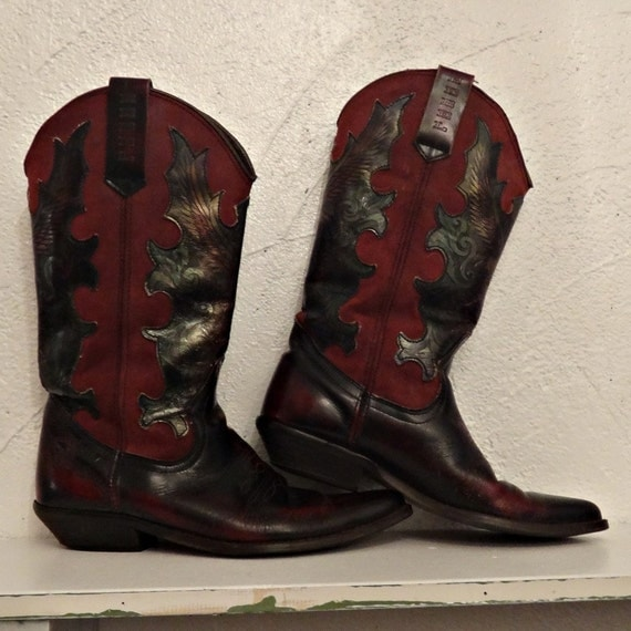 fancy cowgirl boots, size 9