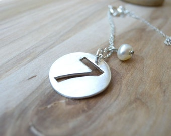 Number 7 necklace sterling silver disc necklace - Perfect 7 number seven necklace with petite freshwater pearl - personalized gift for her