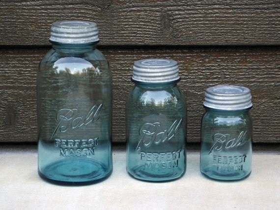 3 blue vintage ball perfect mason jars with lids graduated. Black Bedroom Furniture Sets. Home Design Ideas