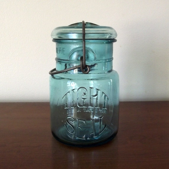 blue vintage tight seal pint mason jar by thecherrygrove. Black Bedroom Furniture Sets. Home Design Ideas