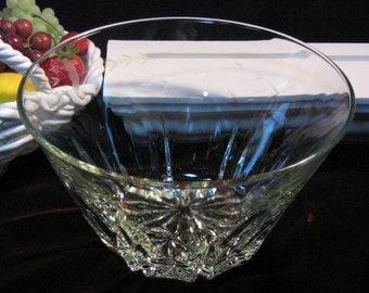 Vintage Princess House Crystal Heritage Salad or Serving Large Bowl, 1970s Mid Century Elgant Glass Dinnerware, Vintage Kitchen Collectible