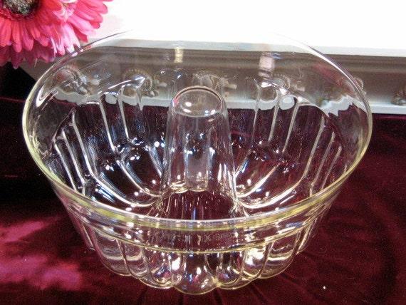Vintage Pyrex Glass Angel Food Bundt Cake Pan