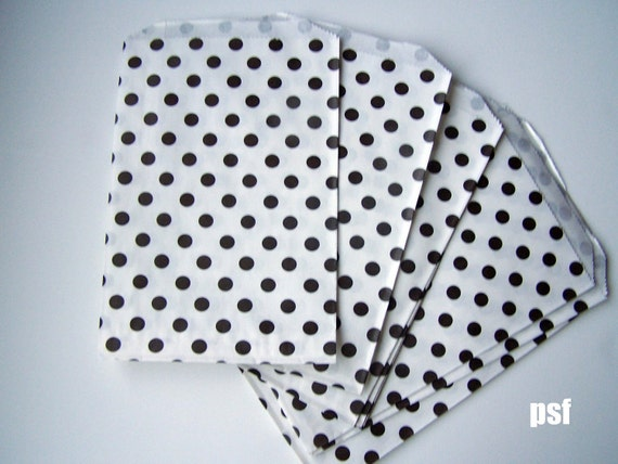 """SUPER SALE Black Polka dot Big Bitty Bags Party Favors Paper Pattern 6.25"""" x 9.25"""" Pack of 63"""
