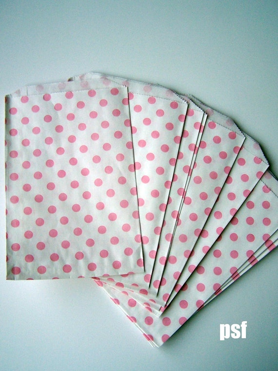 """Baby Pink Polka dot Big Bitty Bags Party Favors Paper Pattern 6.25"""" x 9.25"""" Pack of 20"""