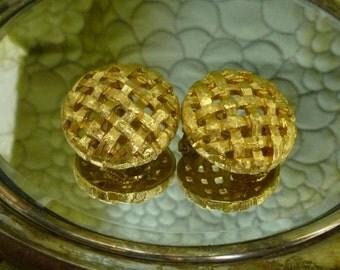 50% OFF SALE St. John Round Basket Earrings Gold Tone Designer Clip On