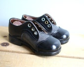 S A L E  Vintage Kids Leather Saddle Shoes