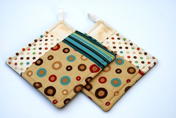 Quilted Potholder Set in Aqua Cream and Brown Geometric Prints