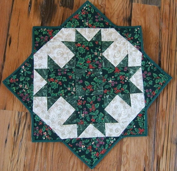 christmas miniature quilt or table topper