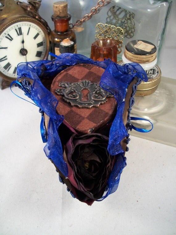 Blue and Brown Mini Tricorn Hair Comb