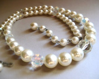 Pearl Necklace - Faux Pearl Crystal / Vintage