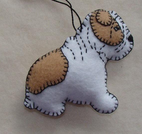 English Bulldog Christmas Ornament-Dog Show Squeaker-handmade-felt