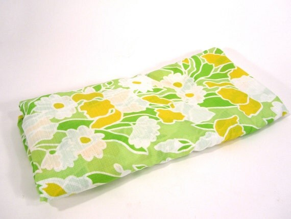 5 Yards of Vintage AWESOME Flower Fabric Material
