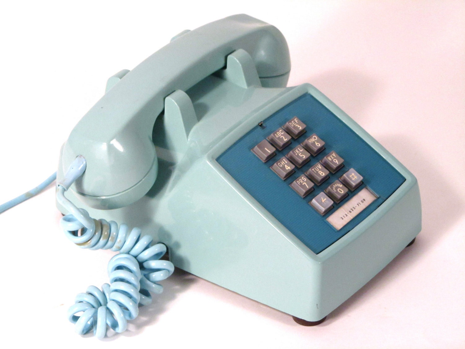 vintage 1970s teal bell touch tone telephone phone. Black Bedroom Furniture Sets. Home Design Ideas