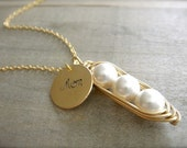 Mom's Personalized 3 Peas in a Pod - Pearls in Gold Filled Wire with Personalized Disk - Choose Your Pearl Color - Mother's Day