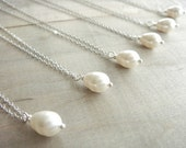 6 Simple Teardrop Pearl Necklaces Cream or White - Your Choice - Bride, Bridal party, Bridesmaid - 10% off - Beazuness