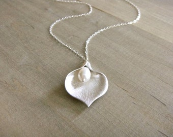 SIlver Calla Lilly Necklace