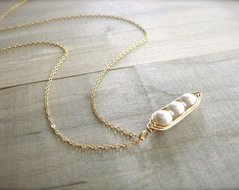 3 Peas in a Pod Necklace in Gold - Choose Your PEARL COLOR - Mother's Day
