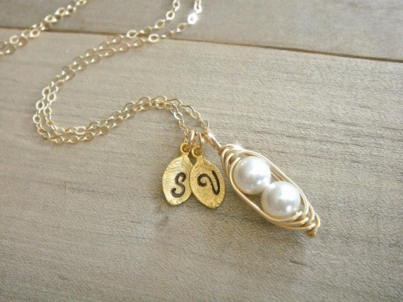 Mini / Tiny Personalized 2 Peas in a Pod wrapped in Gold Filled Wire - Choose your INITIAL and PEARL COLOR - Mother's Day