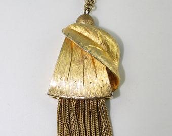 Vintage Kramer Gold Toned Pendant