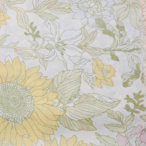 Vintage Floral Pattern Reclaimed Fabric 1 Yard