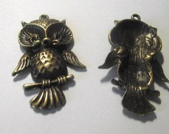 Owl pendant Components 2 piece set Bronze/Brass/Gold Component Destash
