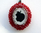 Snow White's Poison Apple sparkling charm