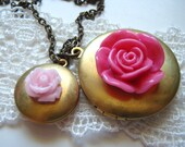 Two Vintage Lockets with Pink Roses, Necklace, Round Locket, Dark Antique Chain.Maid of Honor.Bridesmaids Gifts Ideas.For Sister