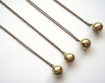 Ball Locket Necklace,Vintage Ball Locket,Photo Locket,Layering Necklace,Classic Necklace,Locket Necklace,Gold Ball Necklace,Sphere Pendant