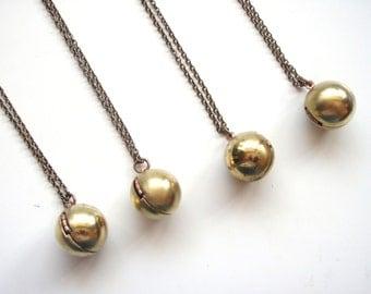 Vintage Ball Locket, Sphere Locket, FOUR (4) necklaces,Best Friend Necklaces, Classic Locket, Bridesmaids Gifts Set, Vintage Wedding