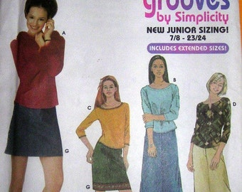 Simplicity Pattern 9842  Junior Skirt and Knit Top