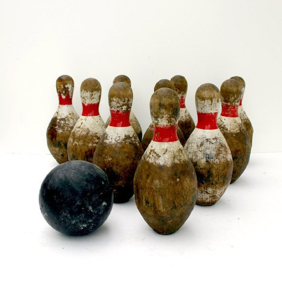 Vintage Duck Pin Bowling Set / Wood Bowling Pins