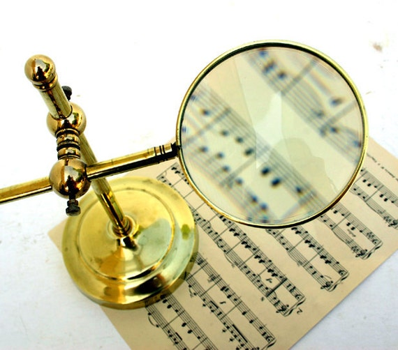 Vintage Magnifying Glass with Stand / Brass Magnifying Glass Stand.