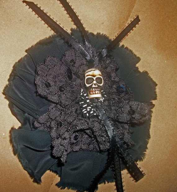 Halloween Dia de los Muertos Skull brooch