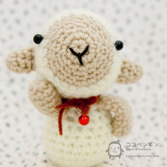 Amigurumi Sheep Doll : Little Lamb Amigurumi Crochet Doll Keychain