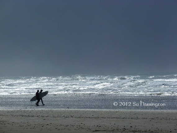 Storm Riders at Westport, WA Incoming snowstorm brings out surfers