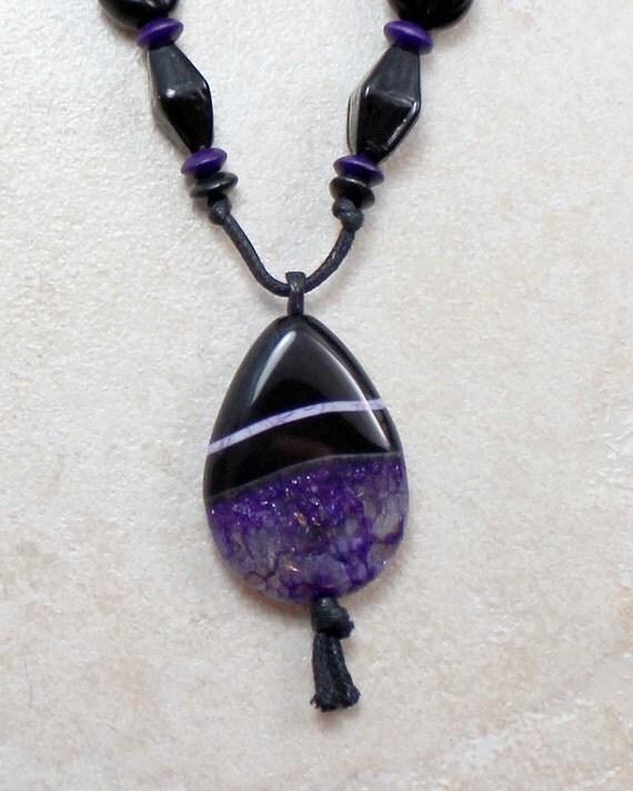 Geode Nursing Necklace in Calming Purple Agate and Black Onyx Breastfeeding Nursing