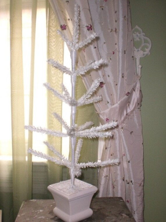 Vintage Feather Christmas Tree