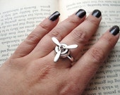 Steampunk Ring, Silver Spinning Propeller on Adjustable Base, Geekery, Novelty Ring, Aviation Jewelry