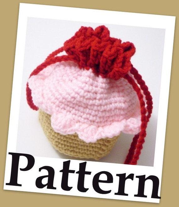How to crochet a Cupcake Wristlet purse PDF pattern