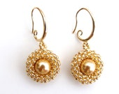 Classic round gold earrings