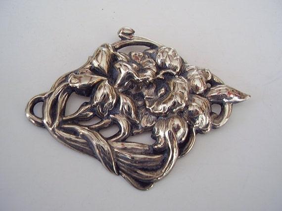 Vintage Brooch Floral Silver Tone