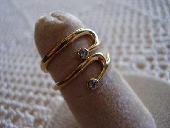 Vintage Rings Avon Gold Tone Faux Diamond By Mariamarrese