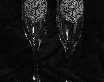 Heart Design Personalized Wedding Toasting Glasses