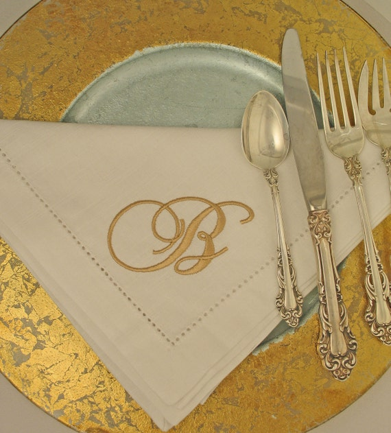 6 Monogrammed Napkins in the Sonnet Font