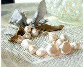 Reserved for M. Hydrangea - queen of pearls and silk ribbon - bracelet